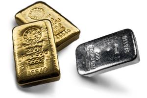 Silberbarren und Goldbarren